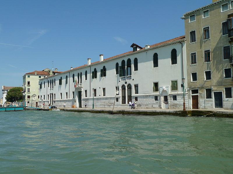 800px-Casa_degli_Incurabili_Venezia_Zattere.jpg