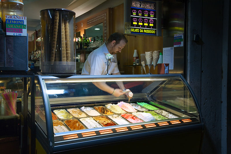 800px-Venice_-_Ice_cream_parlor_-_4017.jpg
