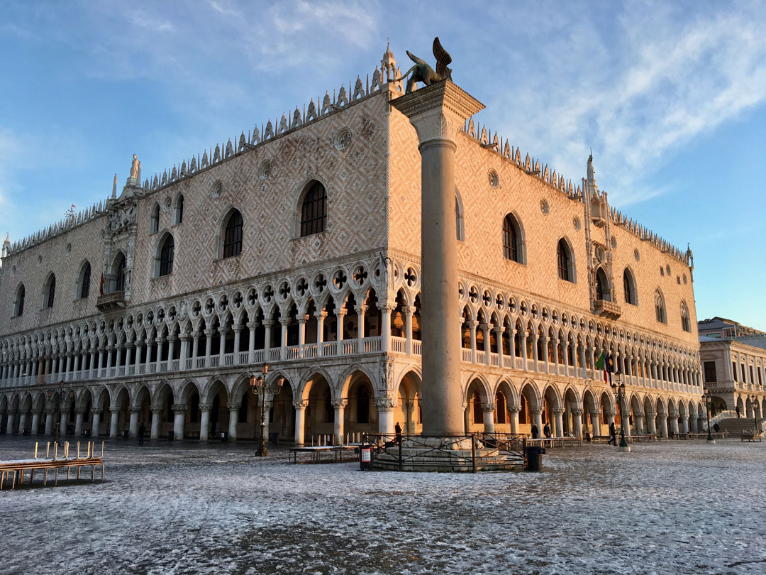 palazzo-ducale-neve.jpg