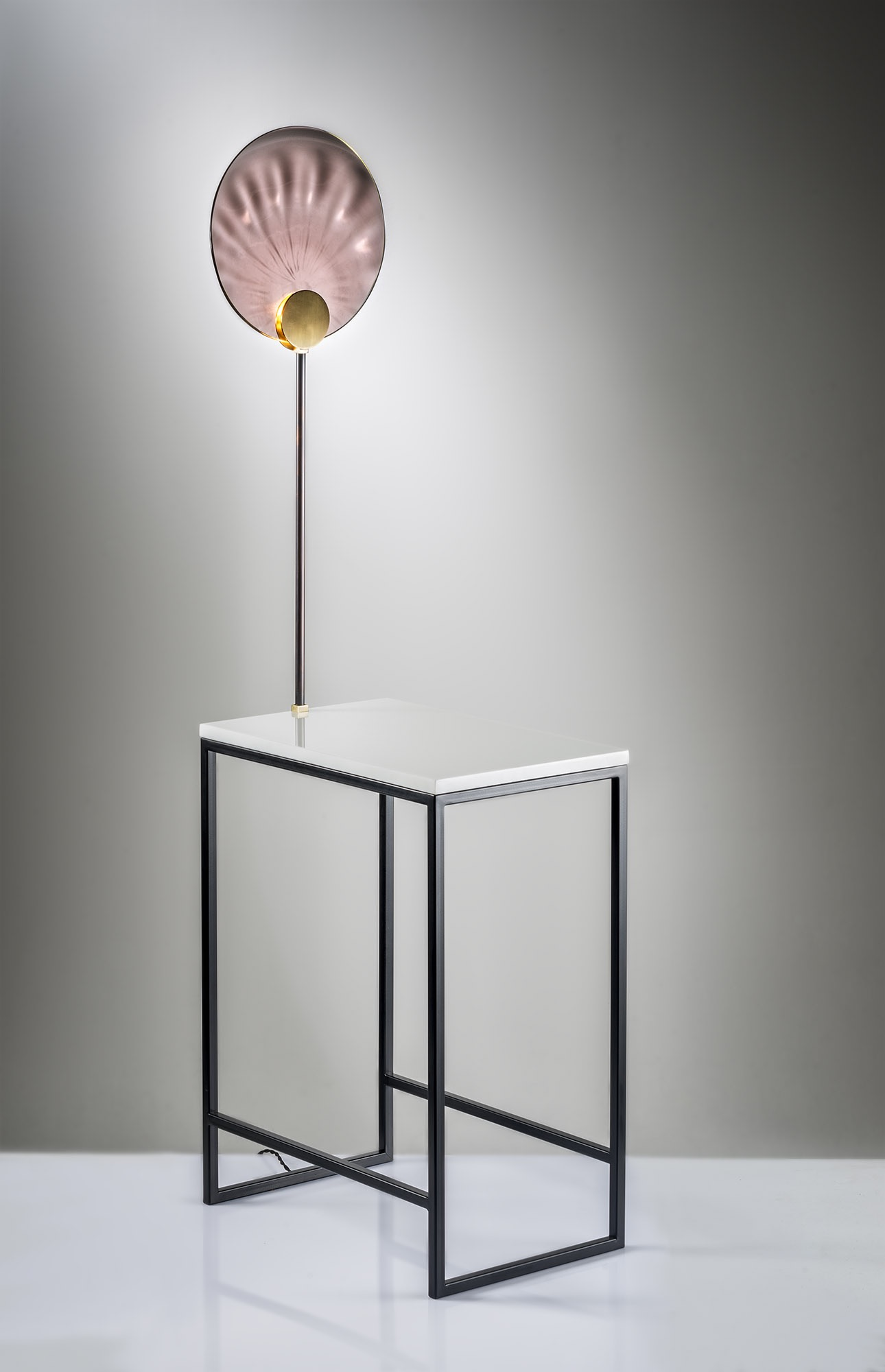 IVY COMBO, a side table with a built in table lamp