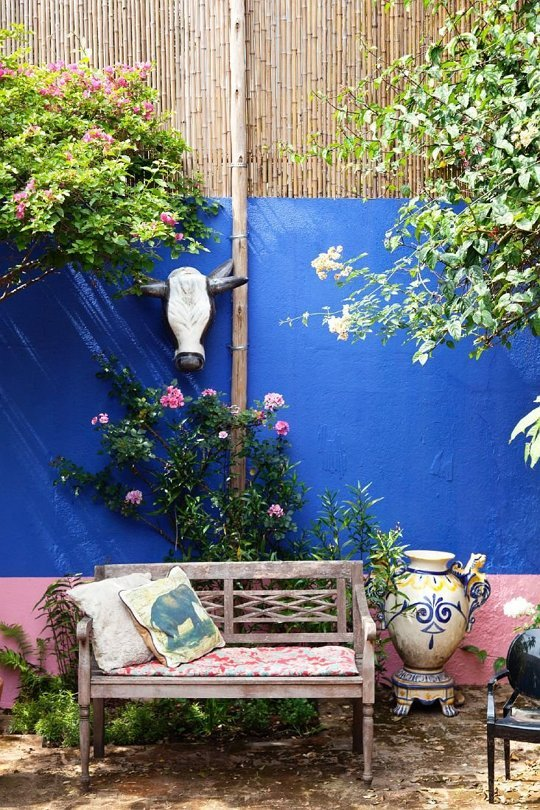 pink and blue interior decorating