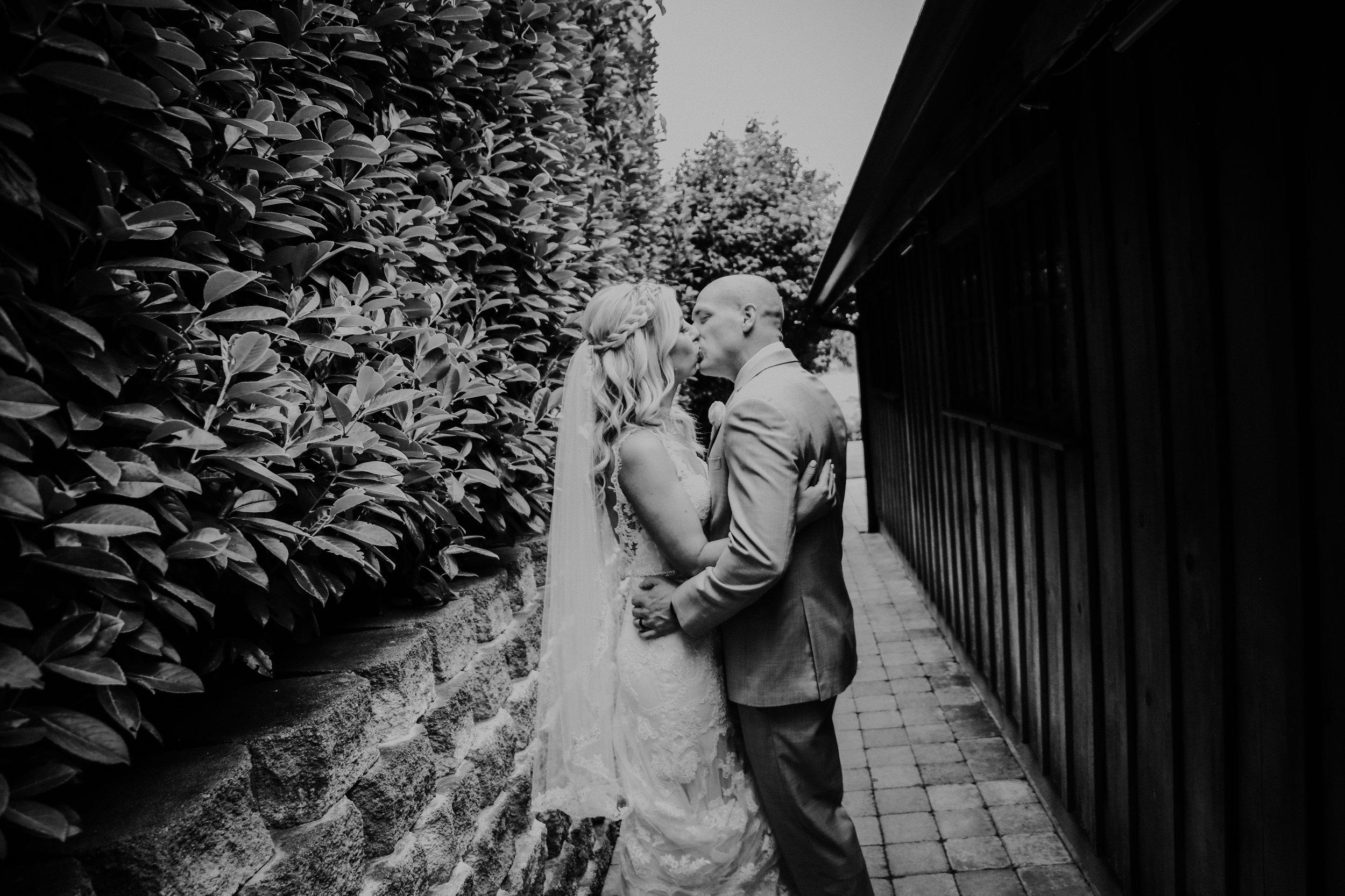 Dorsey_Bride and Groom_012.jpg