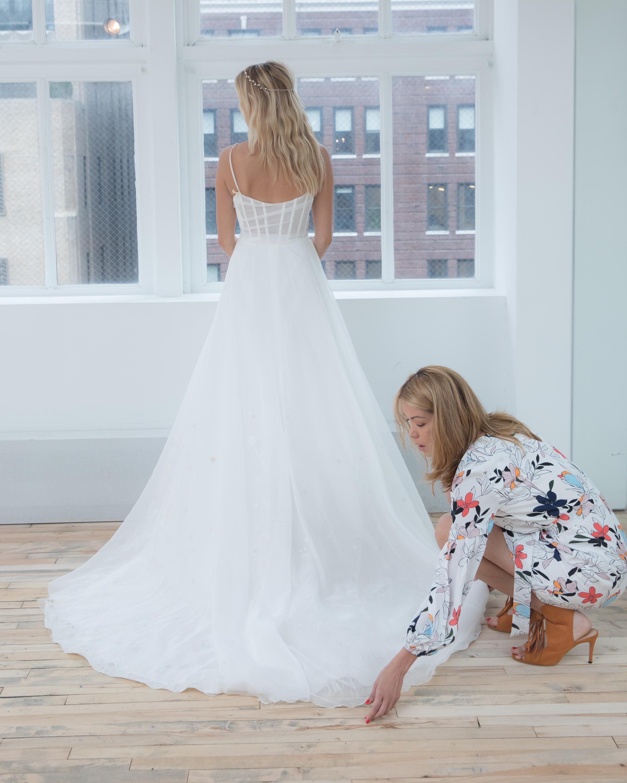 Para quienes me conocen, saben que amo cuidar los detalles de los vestidos durante la sesión de fotos.
