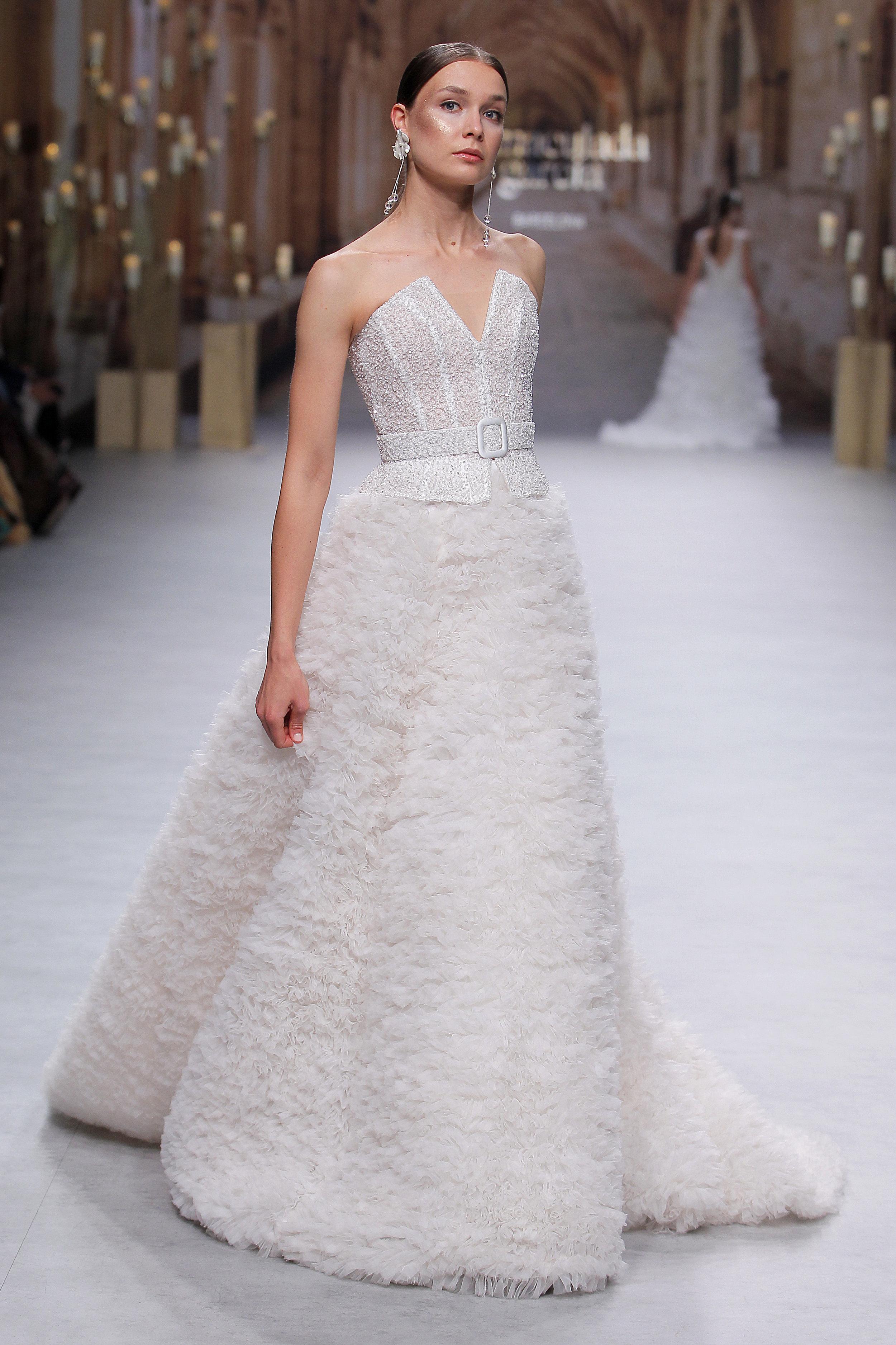 Vestido: Inmaculada García / Pasarela:  Valmont Barcelona Bridal Fashion Week