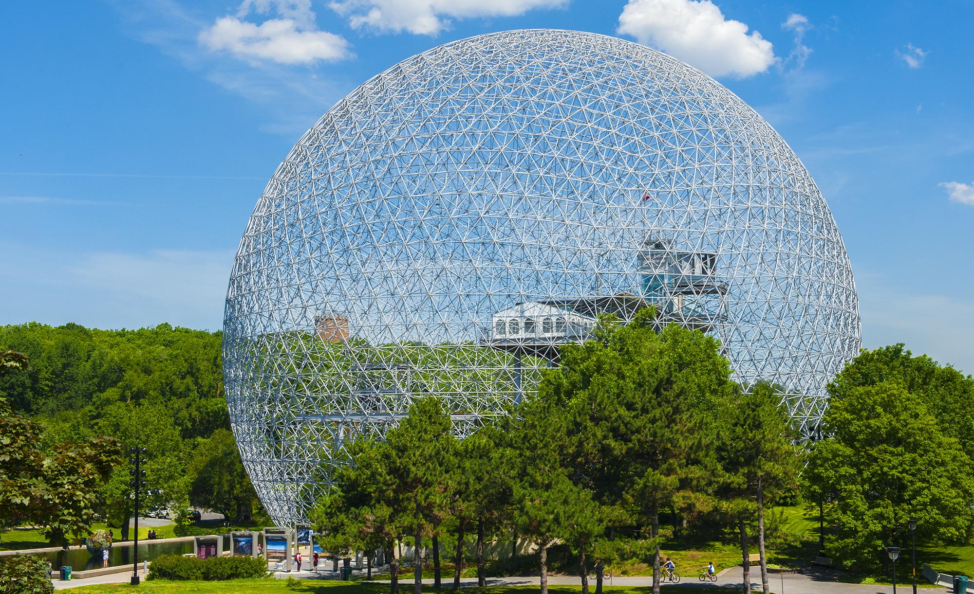 """Parc Jean Drapeau y el Museo del Ambiente """"Biosph è re"""" - Foto Credit: Tourisme Montréal - Environnement et Changement climatique Canada"""