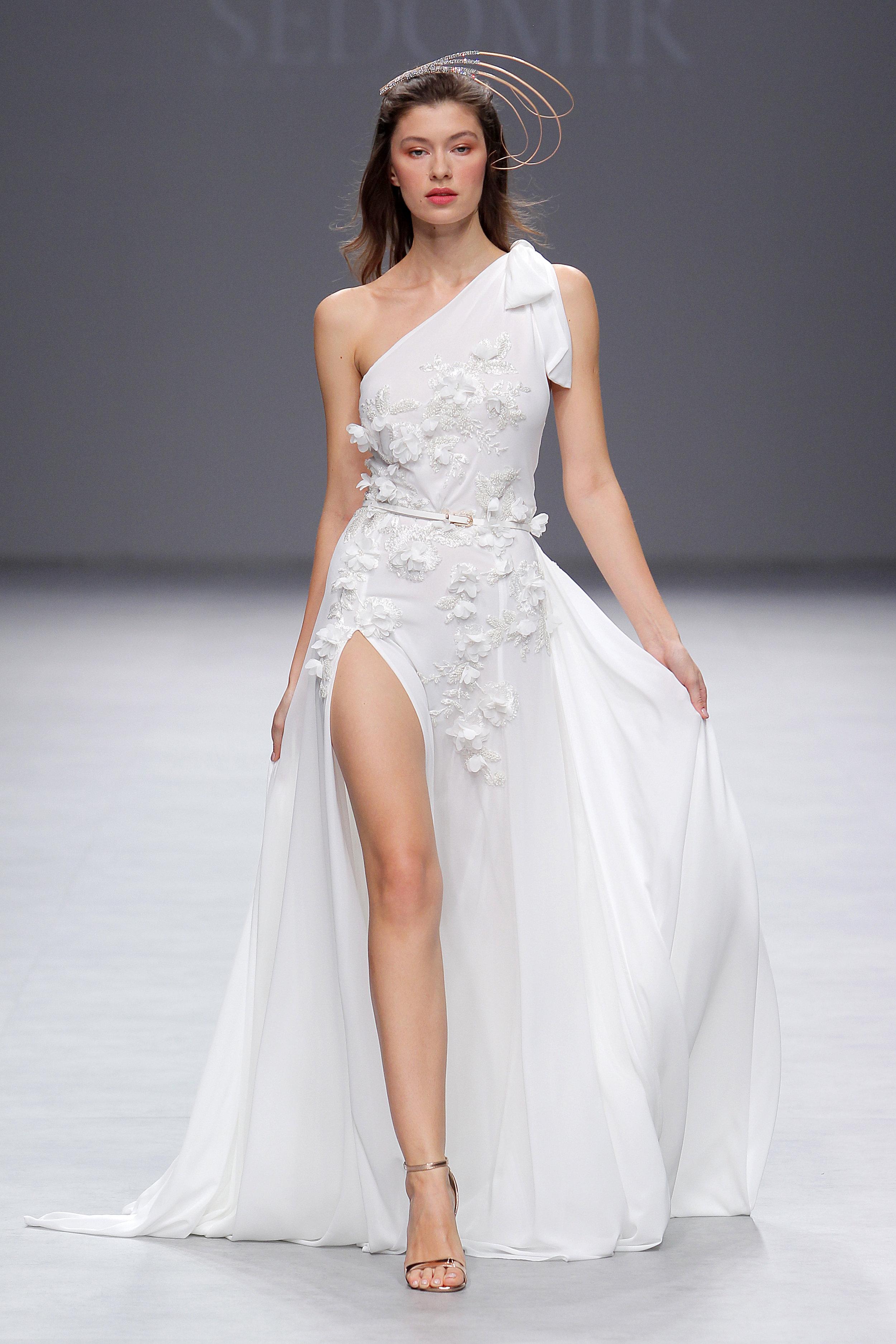 Designer: Sedomir Rodriguez de la Sierra - Pasarela:   Valmont Barcelona Bridal Fashion Week