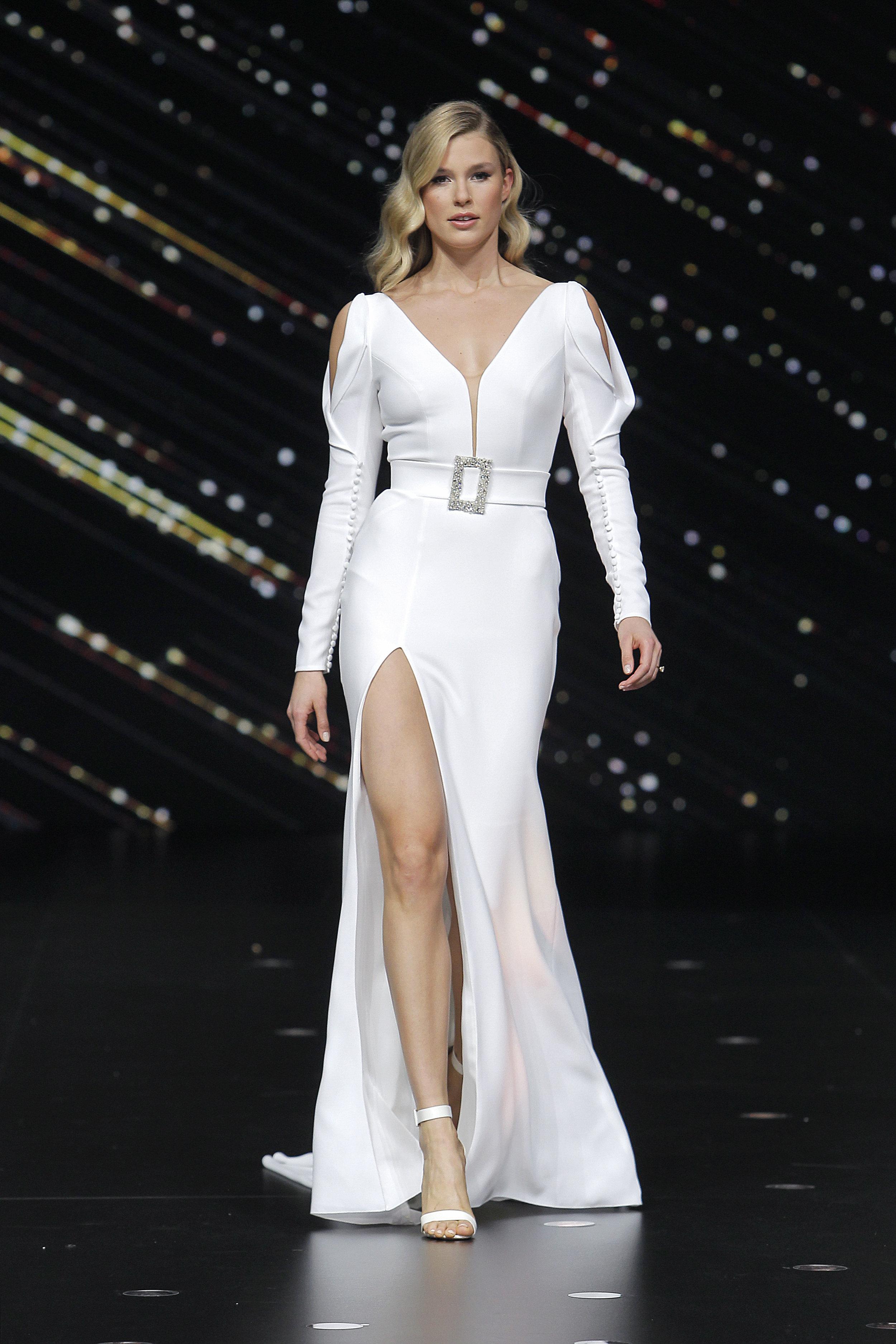 Diseñador: Pronovias - Pasarela:  Valmont Barcelona Bridal Fashion Week