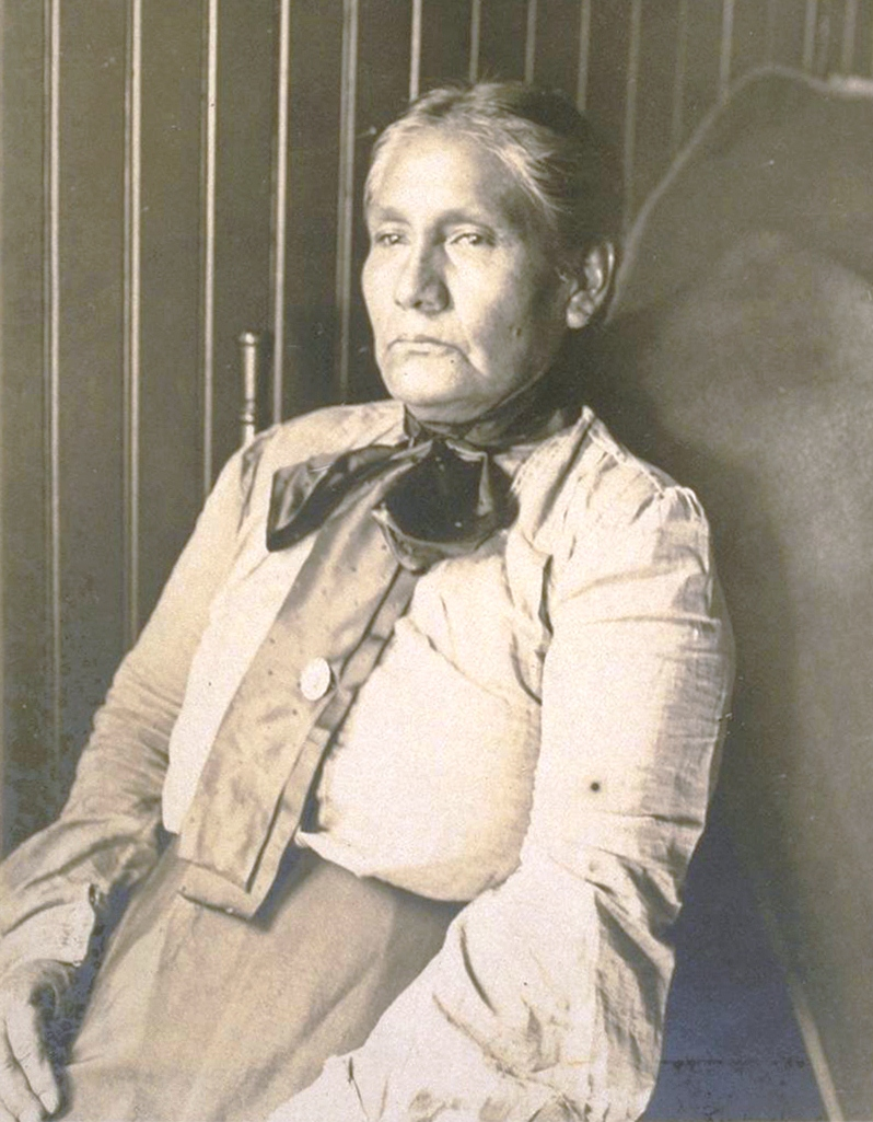 Mrs. James Rosemeyre (née Narcisa Higuera), photographed here in 1905, was one of the last fluent Tongva speakers.