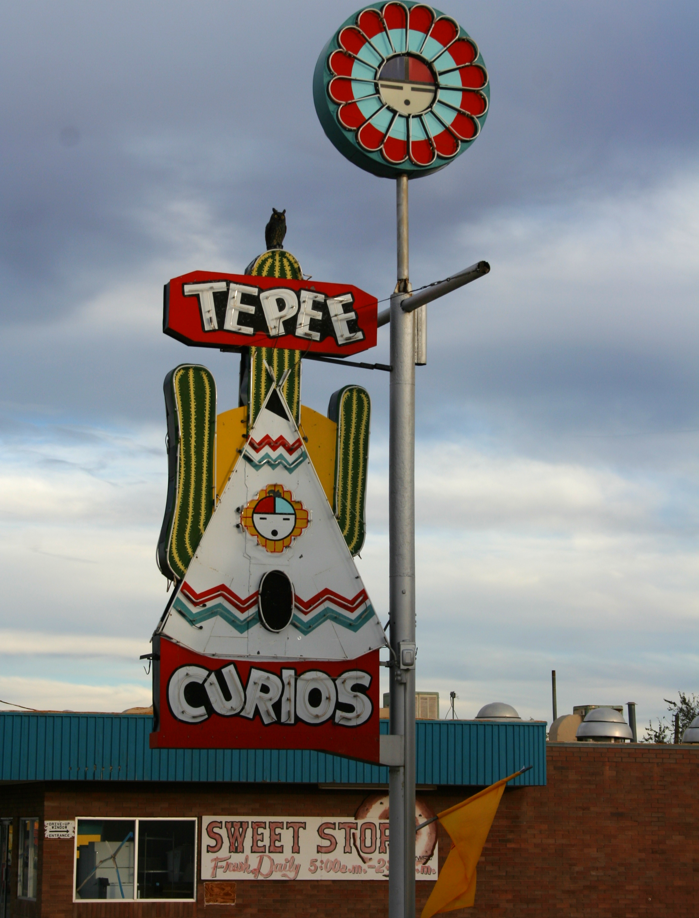 Tepee Curios: Tucumcari, New Mexico, Built in 1944, Tepee Curios was originally a Gulf gas station thAT Carried souvenirs and groceries.