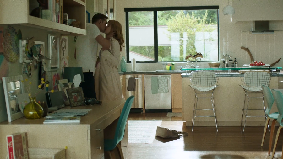 nicole-kidman-big-little-lies-kitchen.png