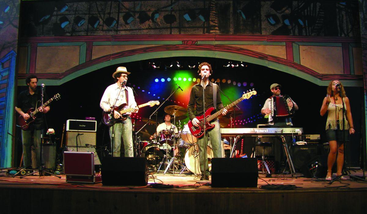 09 WdstockStage.jpg