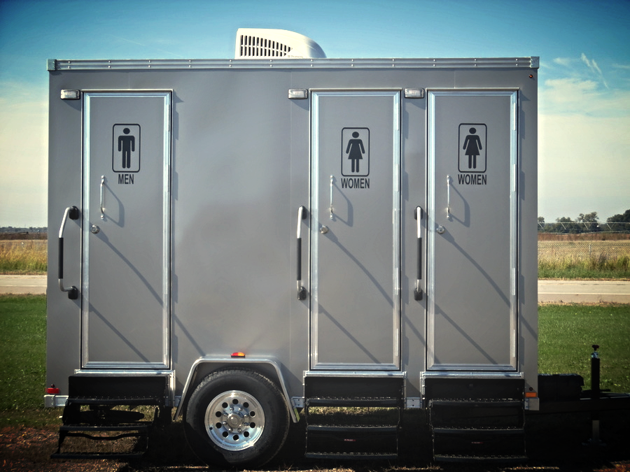Royal-3-Single-Toilet-Suites-Portable-Restroom-Trailers