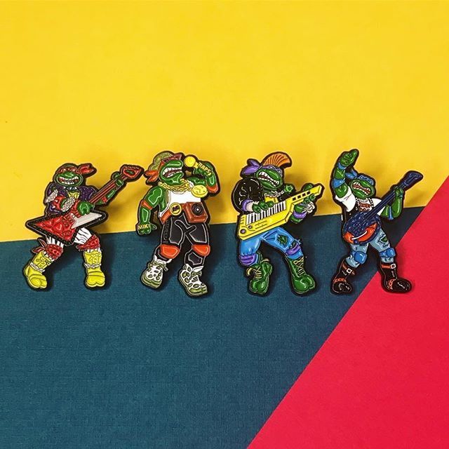 If don't know, now you know! Our TMNT ROCK N ROLL PINS are back in stock! ⚡️🎸 Rock out with your favorite turtle before it's too late!