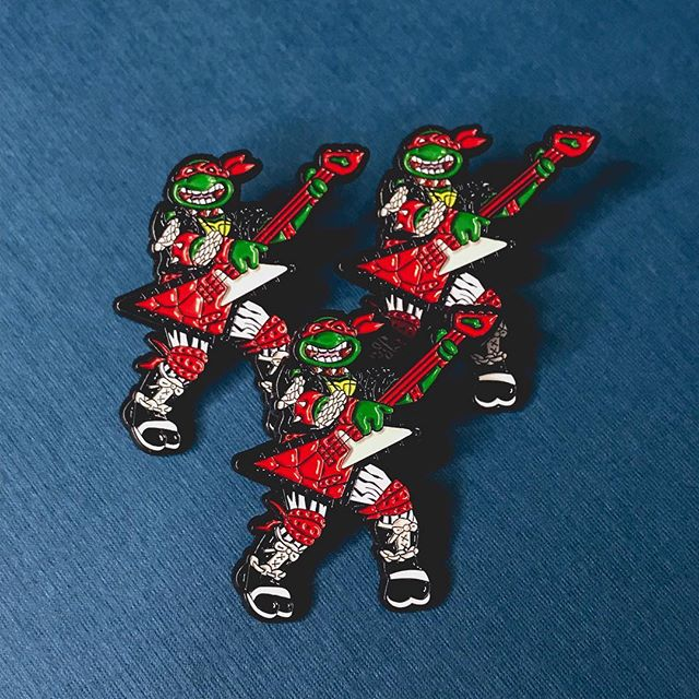 🎉 GIVEAWAY🎉 We're giving away 3 exclusive Heavy Metal Raph variant Pins to 3 lucky pin heads! 🐢⚡️🎸⠀ -⠀ You know the drill:⠀ 1) Like the this photo⠀ 2) Follow @warriorpins  3) Tag as many friends as you want in the comments! Every comment with a different friend tagged will count as a separate entry! Go crazy! -⠀ The winners will be announced this Sunday night (March 17th!) Good luck everyone!