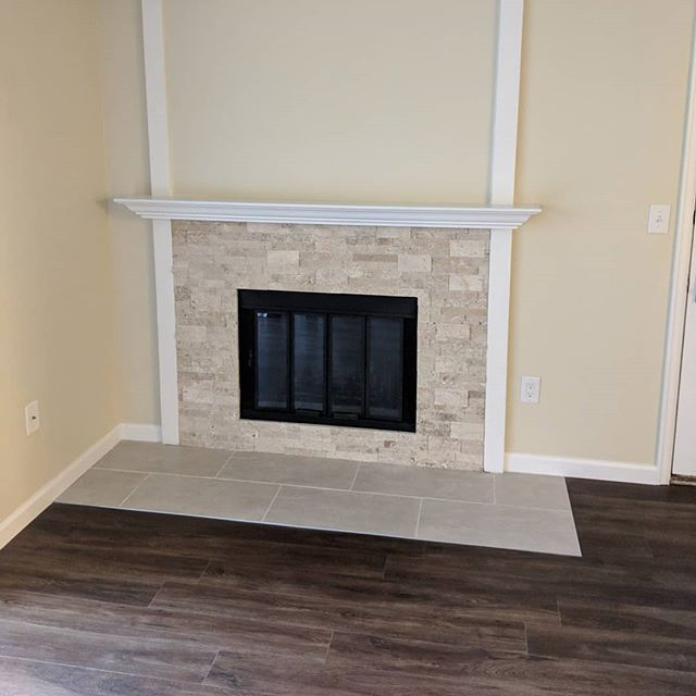 2019 Fireplace upgrade. Thanks @juliebhomesales @nextmovepropertygroup #tile #fireplace #mirrorsontheceiling