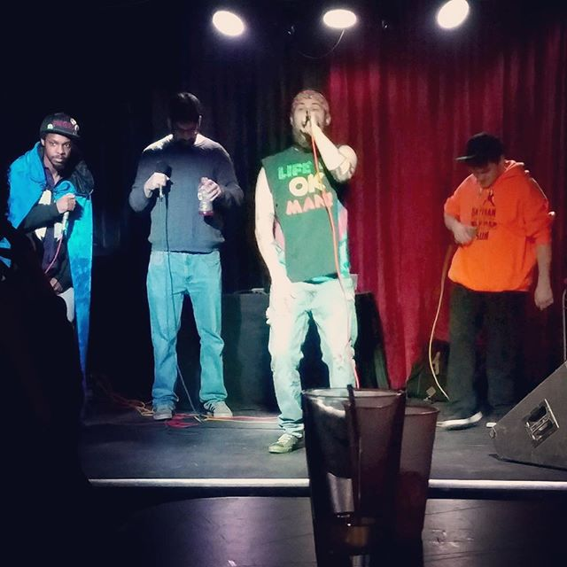 #DemRogues shout out to @tylerelbs on the photo! Big thanks to everyone who came out to the show last Saturday night. Everyone strait rocked it all night long 🤙🏻 #RogueNation #Live #HipHop