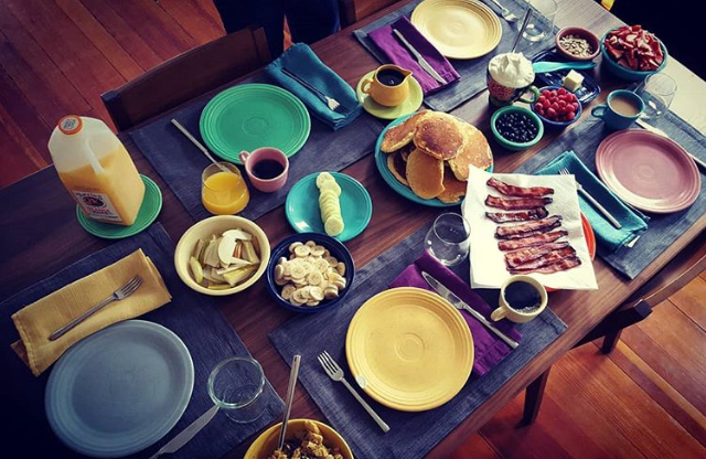 We had lots of delicious meals at Maria's place featuring their colourful crockery!