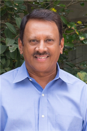 LOCATED IN OLD SEMINOLE HEIGHTS - Dr. Kumar's extensive experience along with his comforting practice style creates a positive experience for his patients while maintaining the ideals of family dentistry in the healthcare profession.