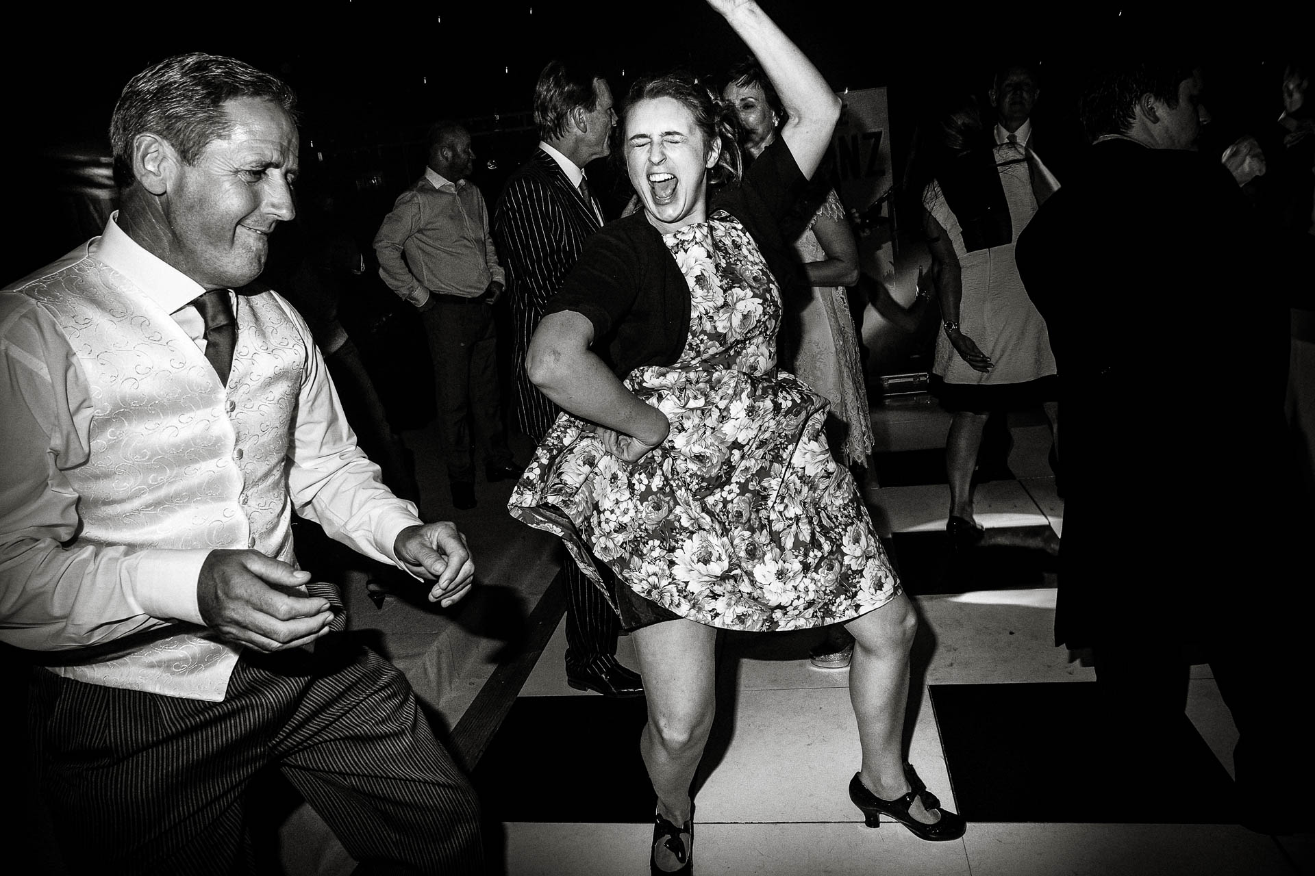 documentary-photography-areception-dance-party