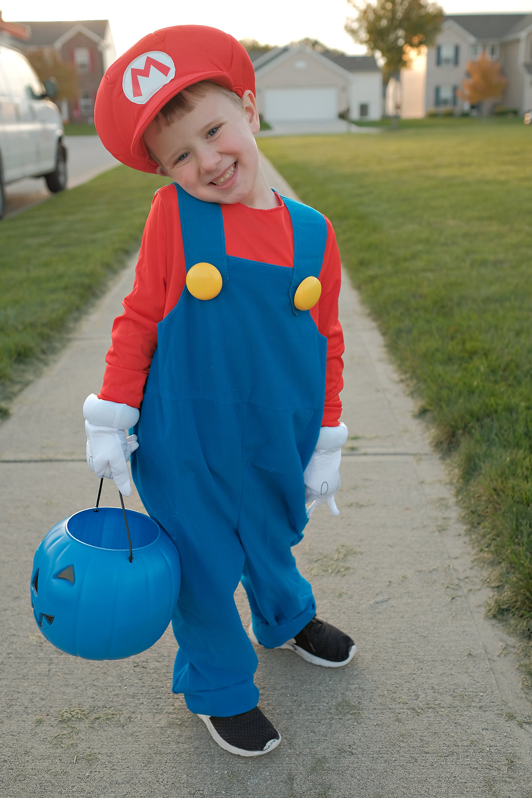 boy-dressed-up-as-mario-for-halloween
