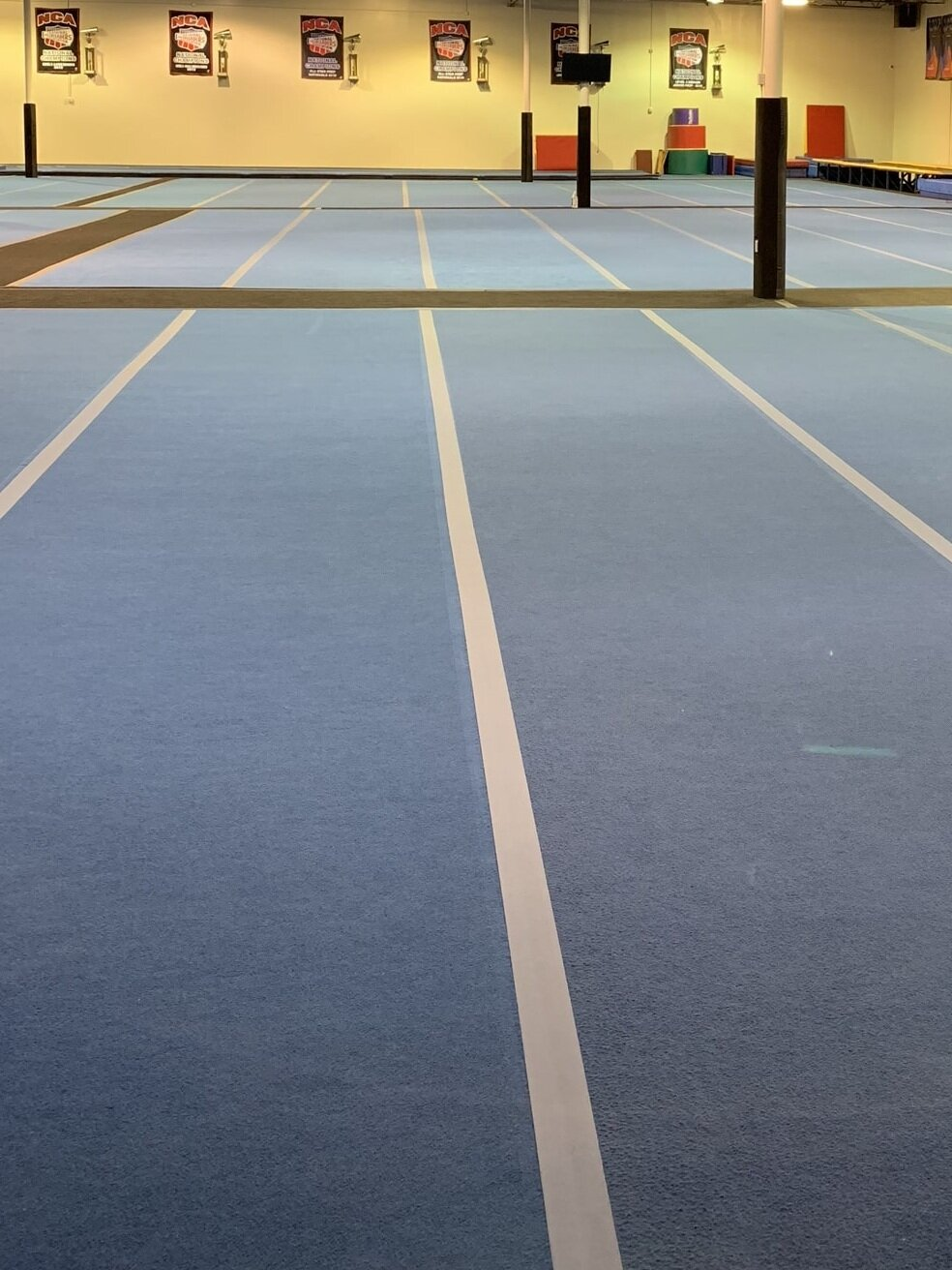 Cheerleading-Spring-floors