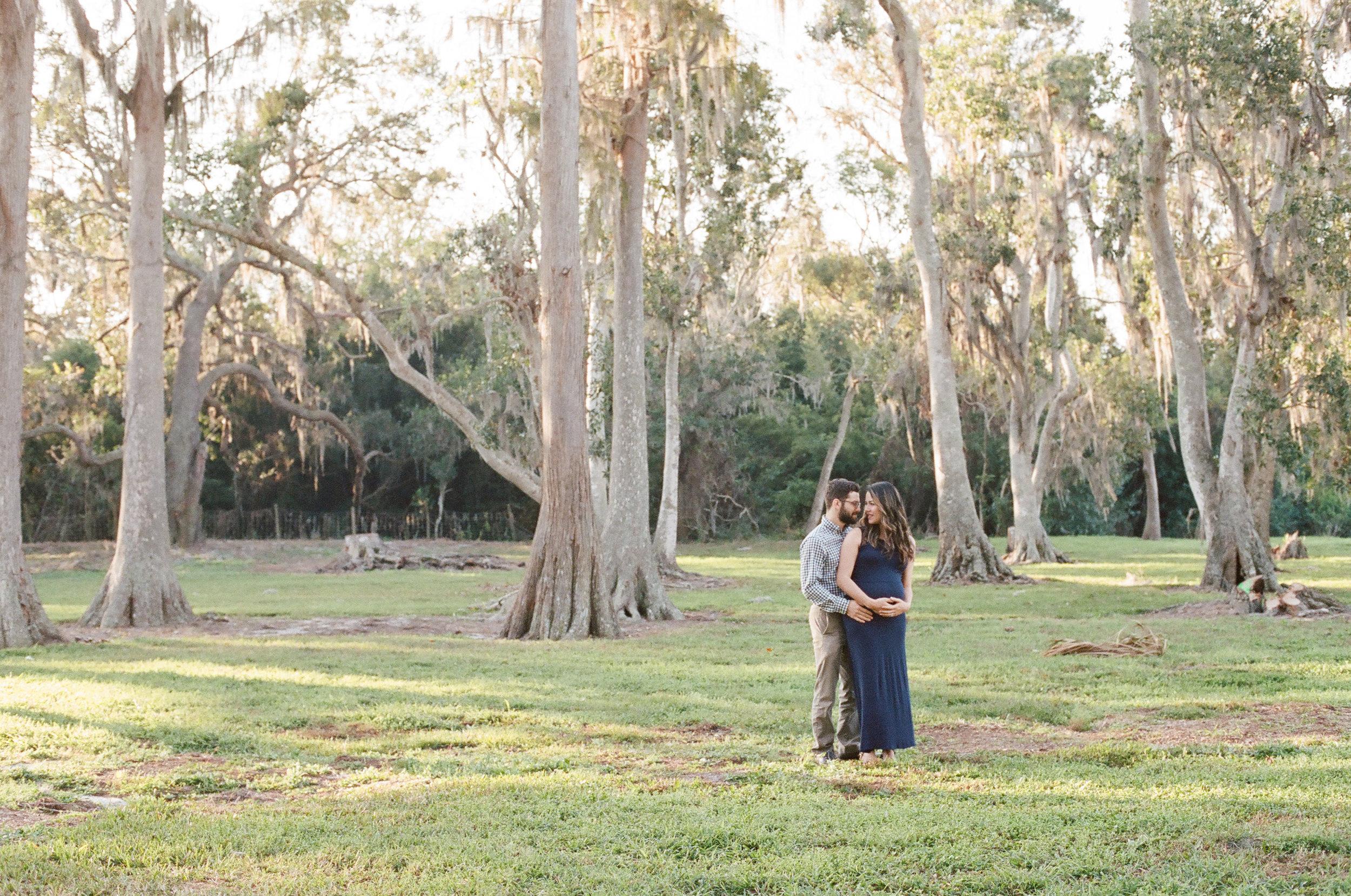 sauphia-germain-cypress-grove-estate-maternity.jpg
