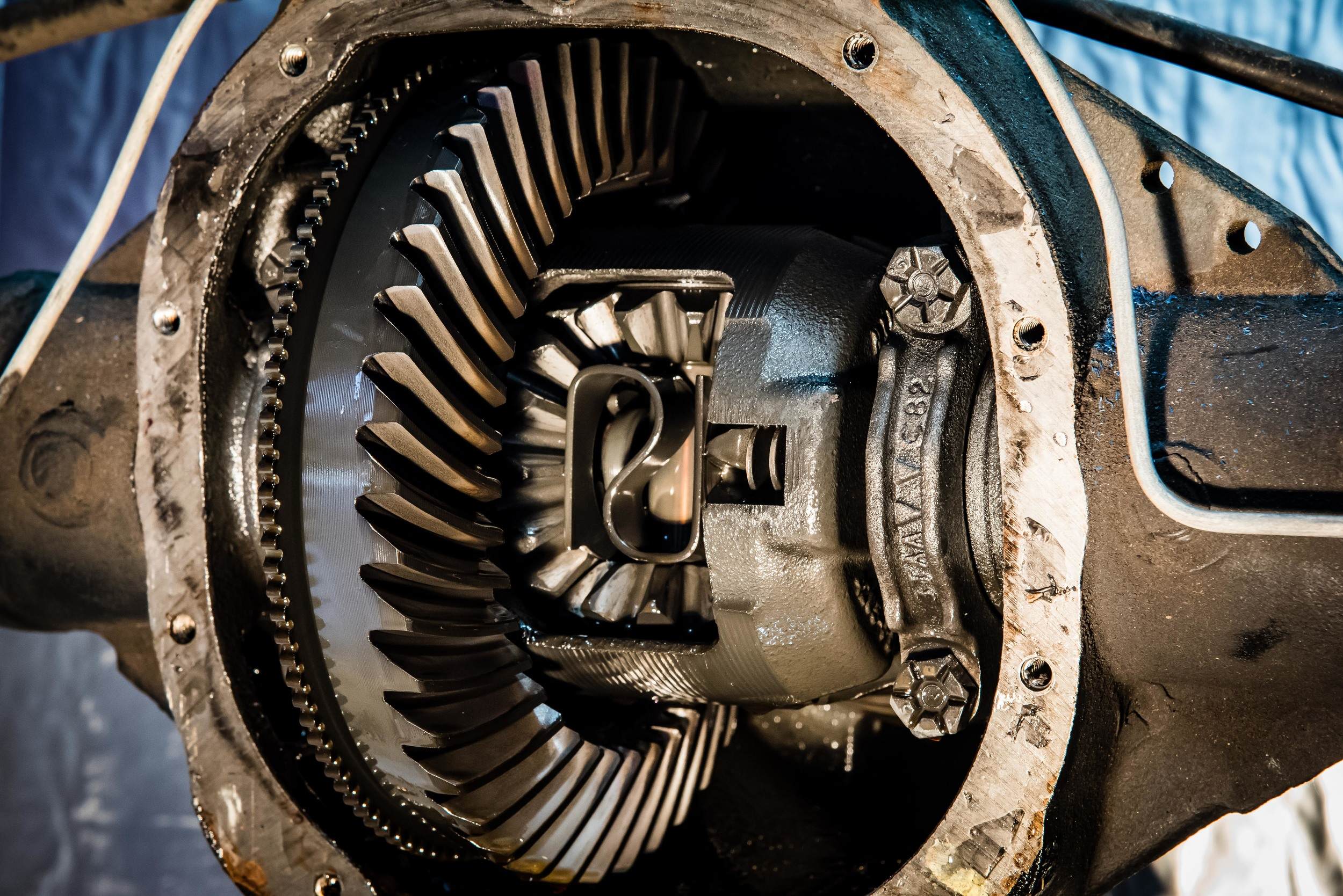 "IMAGE: Ford 8.8"" differential, ring gear and carrier"