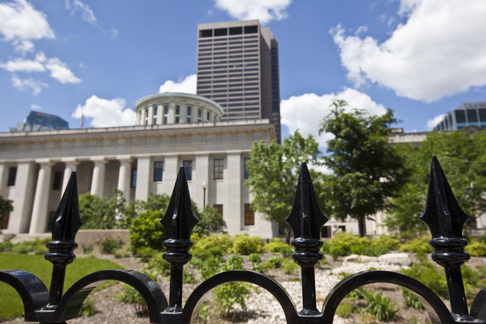 SMALL Statehouse Image OLCA Purch shutterstock_199035605.jpg