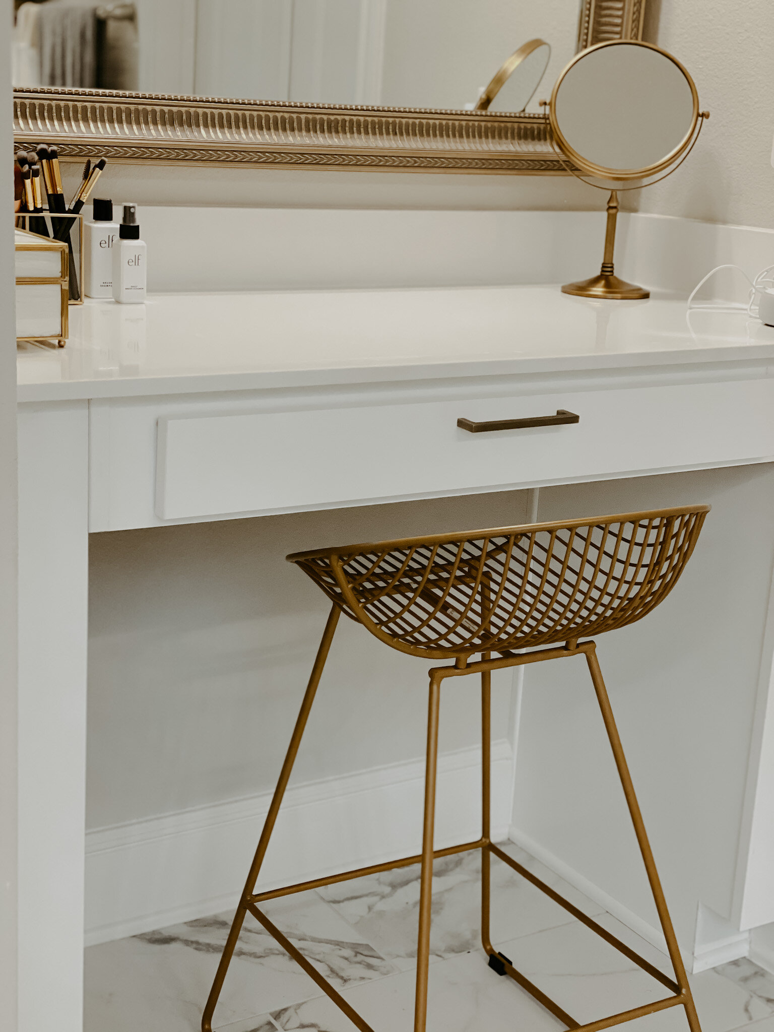 Tips On Setting Up Your Makeup Vanity Decor And Organization Onyee S Lifestyle