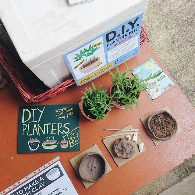 THIS WEEKEND: Make your own clay planter kits and grow some kangkong! Only at the Kranji Countryside Farmers' Market 2016.  Head down to D'Kranji Farm Resort today and tomorrow from 12pm to 5pm.  #sgyoungfarmers #kcfm2016 #planterkits #pottery #thowkwangpottery #golocal #singapore