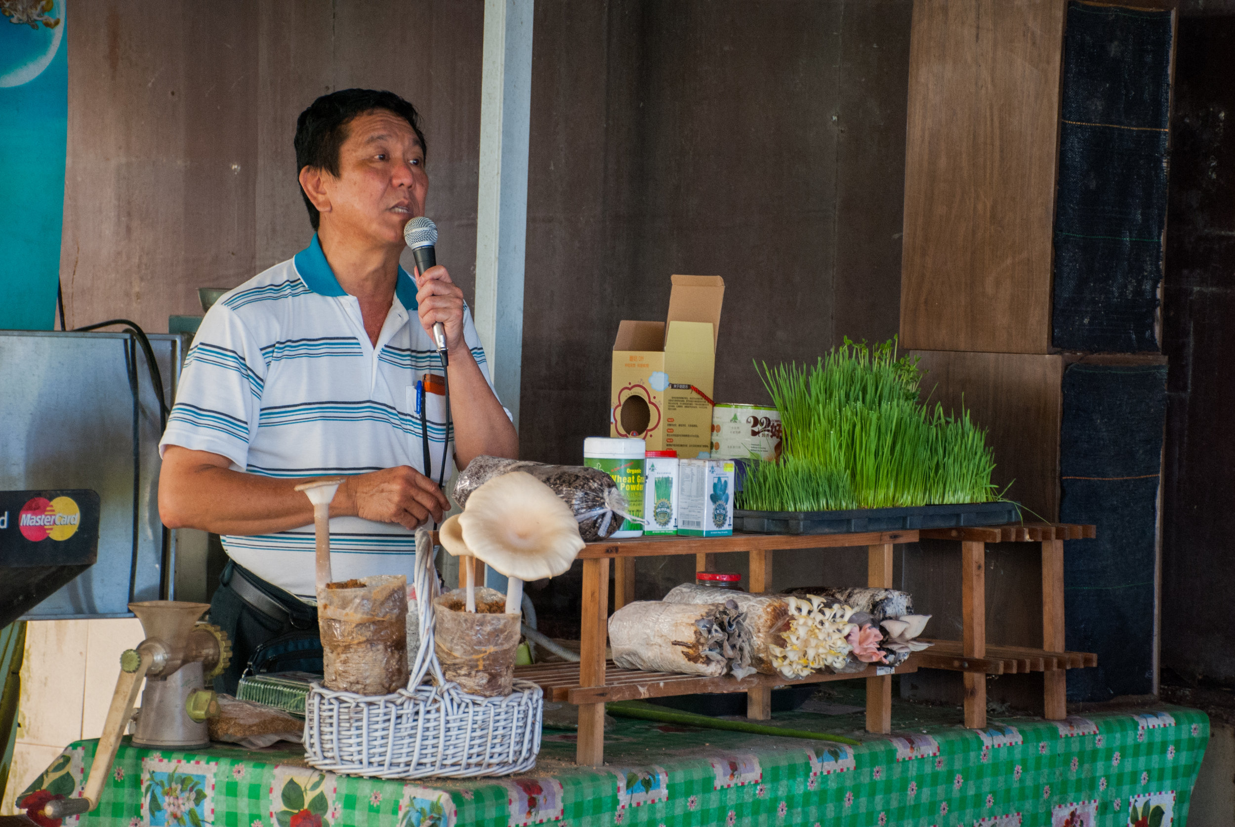 Mr Woon, founder of Kin Yan Agrotech passionately presented to the participants about the benefits of wheatgrass