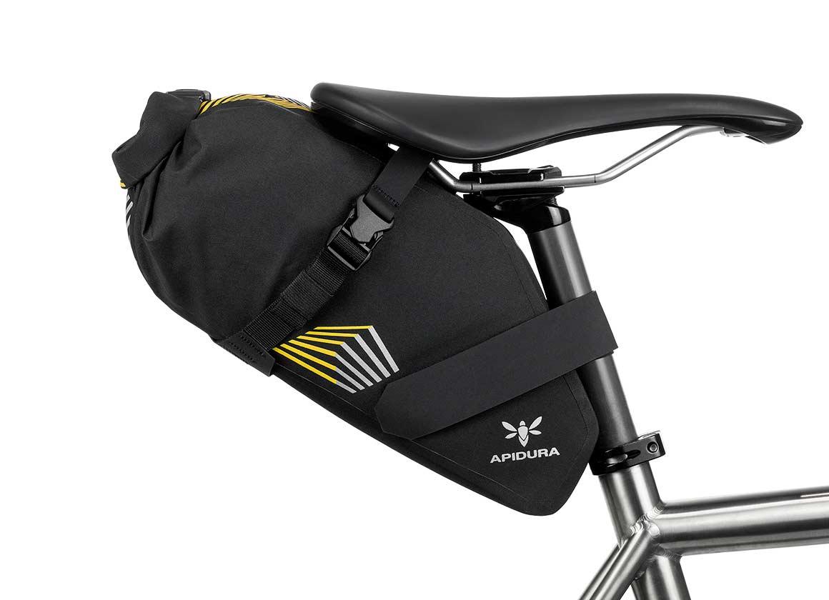 apidura-racing-saddle-pack-5l-on-bike-1.jpg