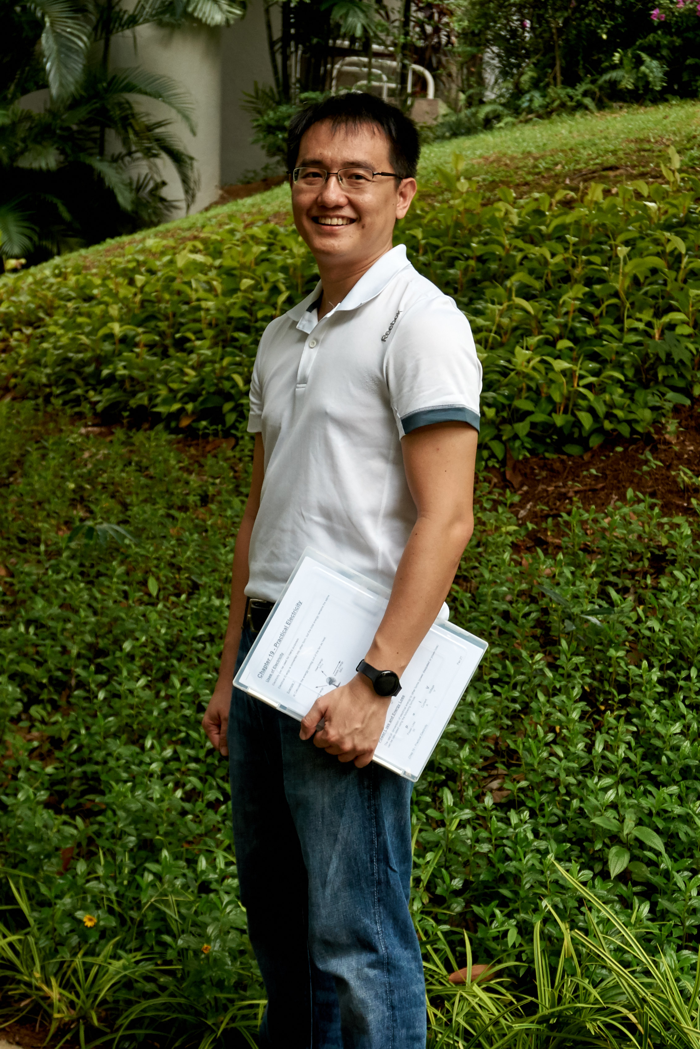 Pan Zheng Tao Physics Tutor Physics by Pan