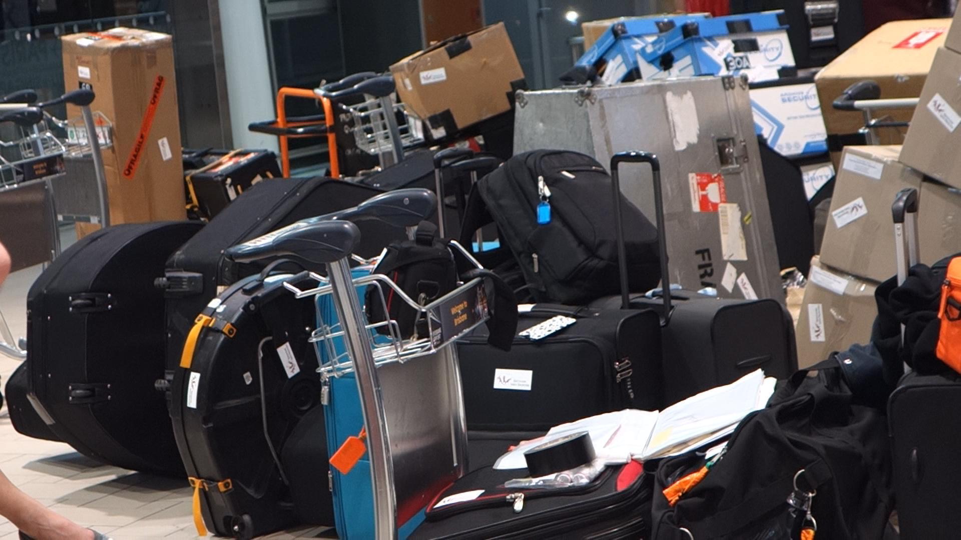 Lotsa exra luggage.jpg