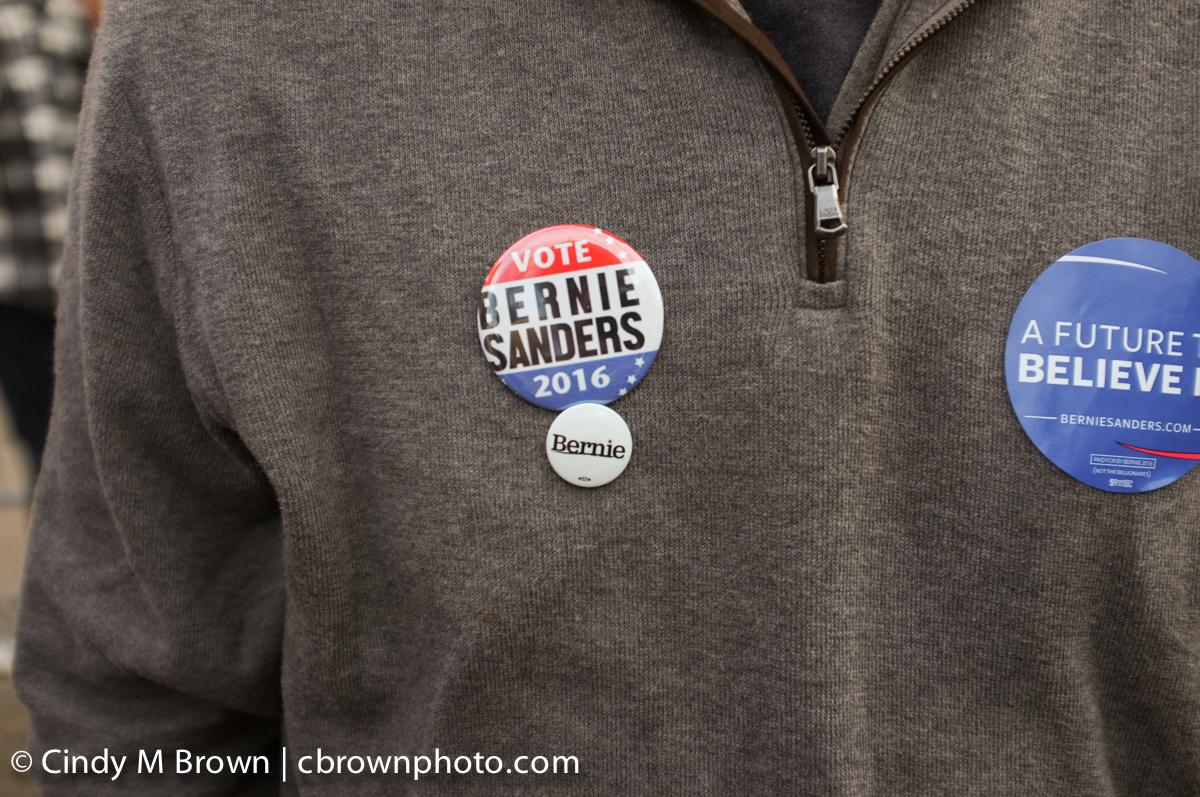 DO20160216-Bernie-Buttons1011.jpg