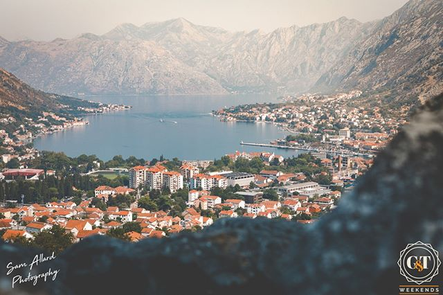 In Kotor, Montenegro, autumn sees a mist settle into the hills surrounding the bay of Kotor giving the whole place an eerie, very season-appropriate atmosphere.  We visited and took over a villa here last year in the summer but would love to do a trip back this autumn/winter to see this picturesque spot in a totally different light 😍 plus it's got to be warmer than London right now, right?! #gtwknds . . . . #visitmontenegro #kotorbay #montenegro #easterneurope #tivat #kotor #goodbyesummer #montenegrolove #kotormontenegro #kotoroldtown #montenegro🇲🇪 #gomontenegro #instamontenegro #postcardsfromtheworld #travelling #trip #traveltheworld #igtravel #getaway #magicrealism #vacationwolf #forahappymoment #planetdiscovery #exploringtheglobe