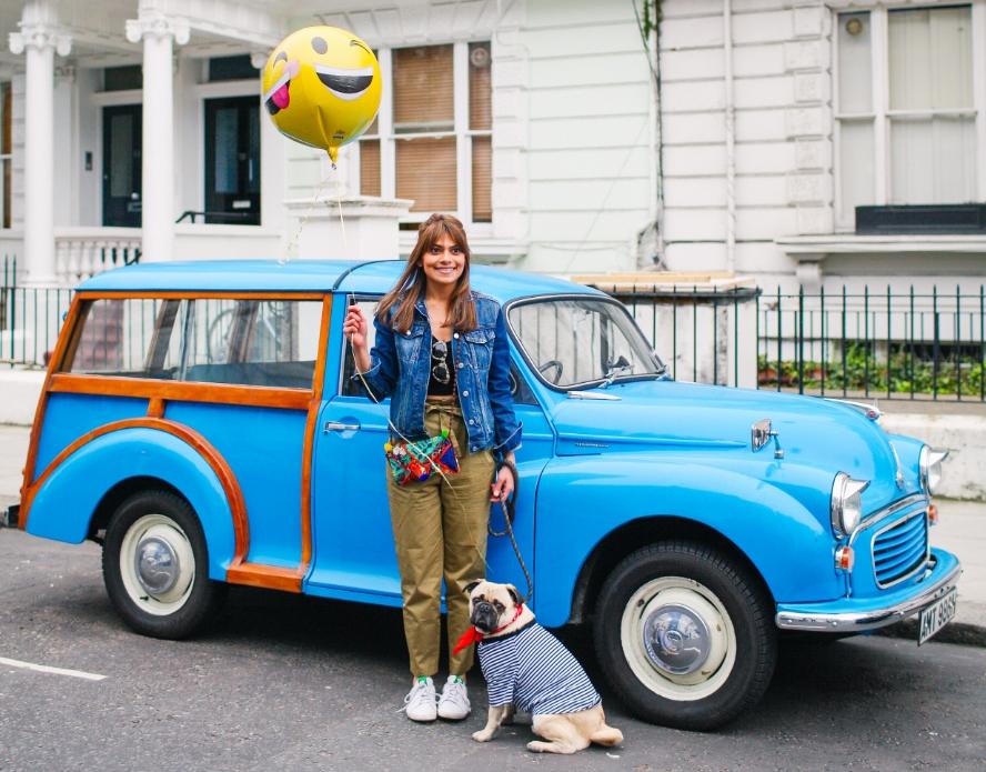 honeyidressedthepug-nottinghill-london-vintagecars-pug-puglife-pugswag-pugfashion-dog-petfashion-bandana-stripes-fawn-streetstyle-londonstreetstyle-cars-pippolli-blue-bluecar-bluevintagecar