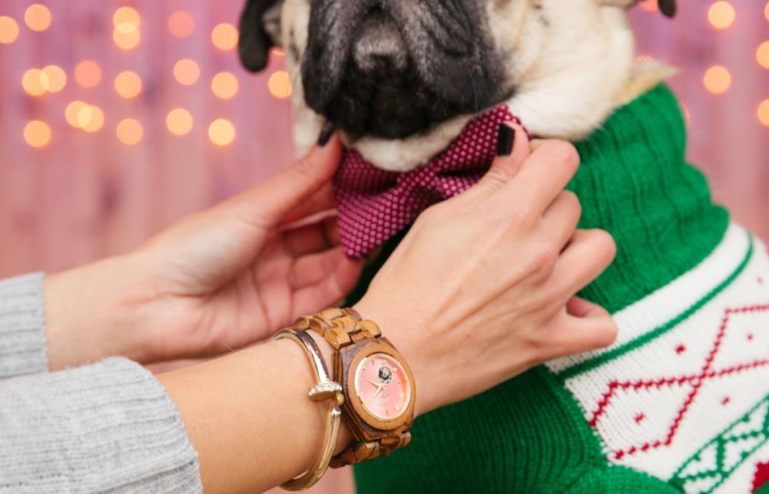 jordwatch-woodwatch-giftsforher-holiday2016-uniquegift-coolgift-whattowear-readytowear-tistheseason-holidayready-holidayparty-greatgift-humanandhoundfashion-topdogblog-dogblog-dogfashionblogger-london-bestdogfashionblog-bestpetfashionblog-pug-bestdogbloglondon-topdogbloglondon