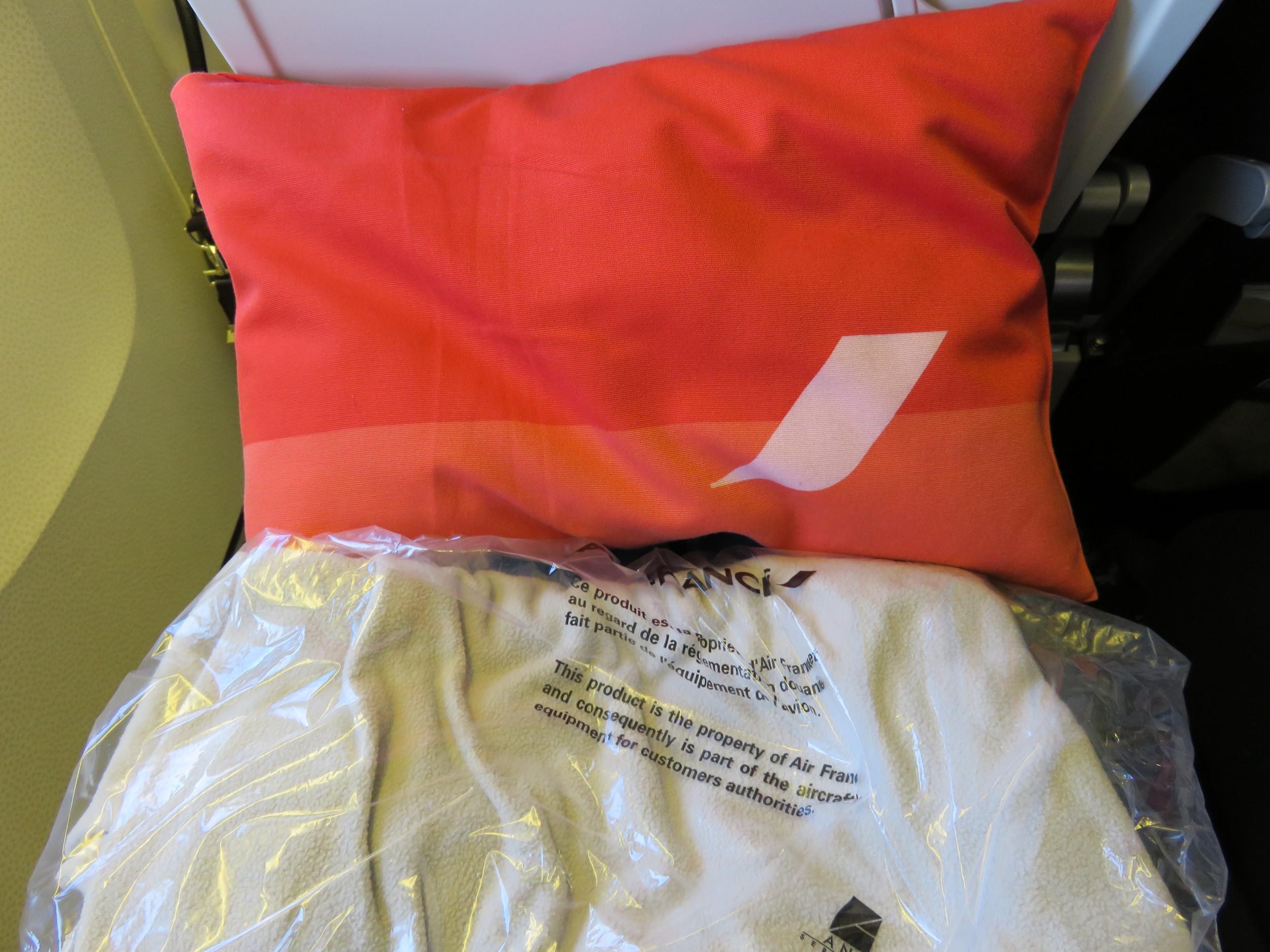 Air France pillow & blanket