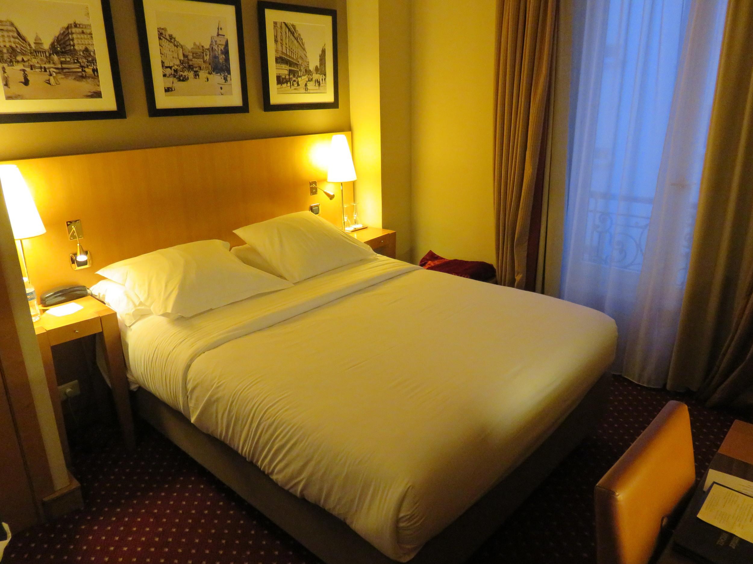 Best Western Premier Royal Saint Michel bed