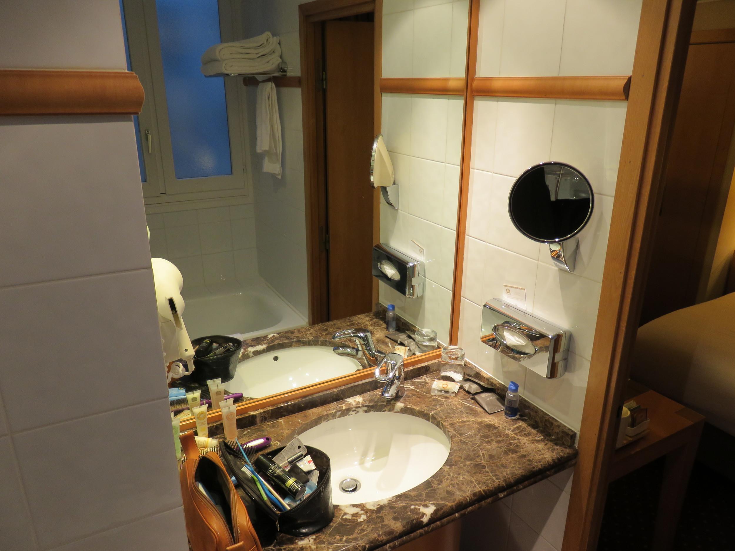 Best Western Premier Royal Saint Michel bathroom