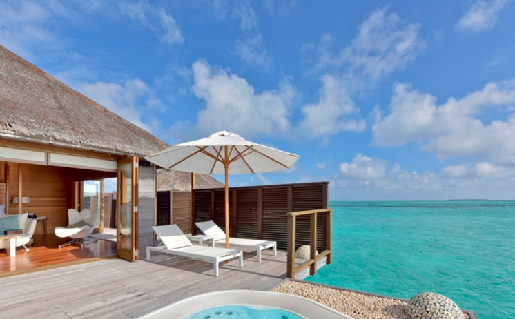 REDEEM YOUR POINTS FOR A STAY AT THE CONRAD MALDIVES (IMAGE COURTESY OF  CONRADHOTELS.COM )