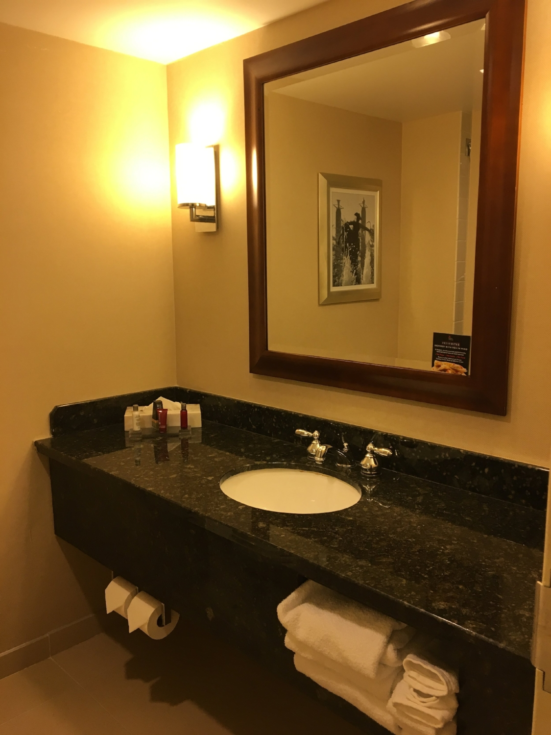 KANSAS CITY MARRIOTT DOWNTOWN GUEST ROOM
