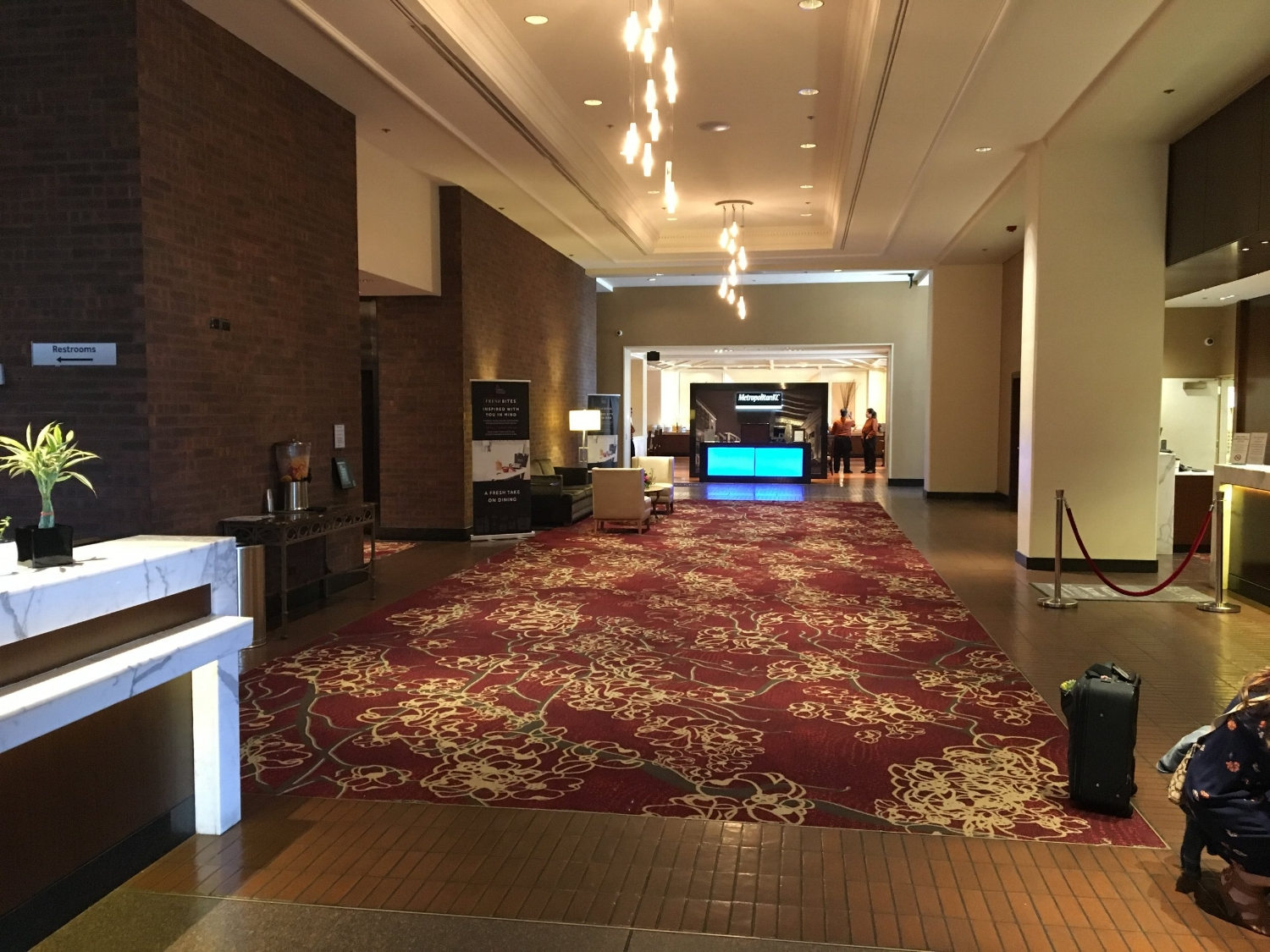 KANSAS CITY MARRIOTT DOWNTOWN LOBBY