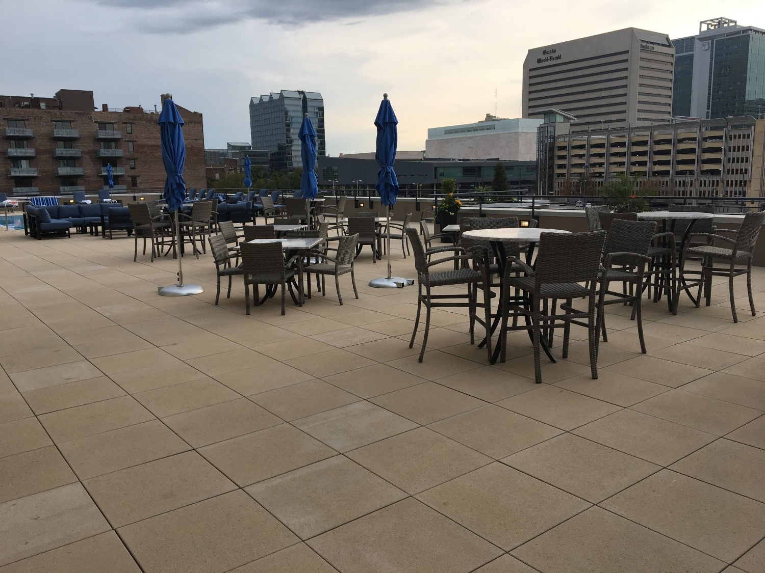 OMAHA MARRIOTT DOWNTOWN AT THE CAPITOL DISTRICT pool