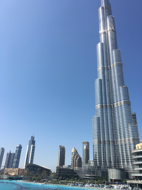how ridiculously tall is the burj khalifa?!