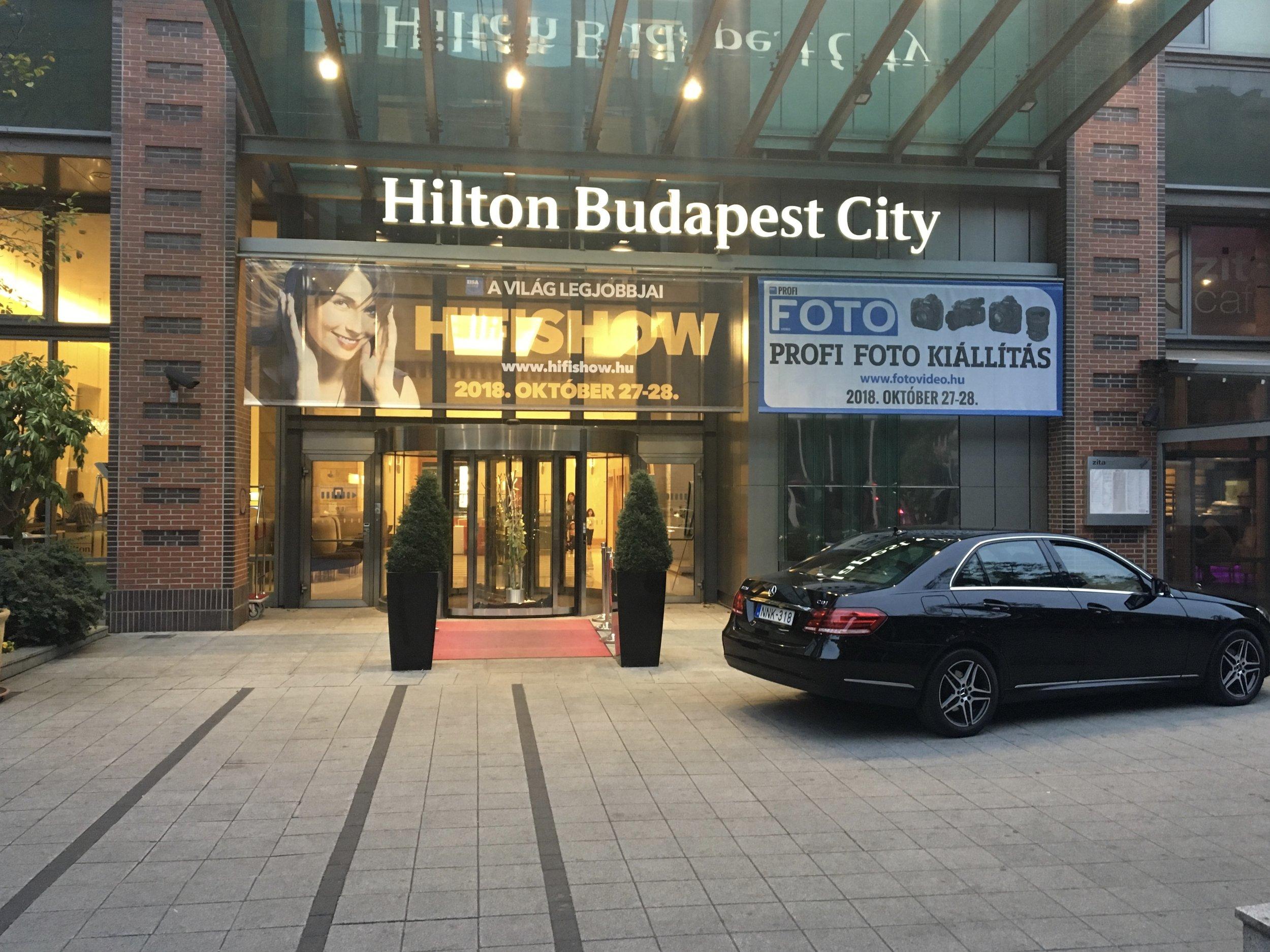 Zitza Lounge Stoel.Review Hilton Budapest City Passenger Poldberg