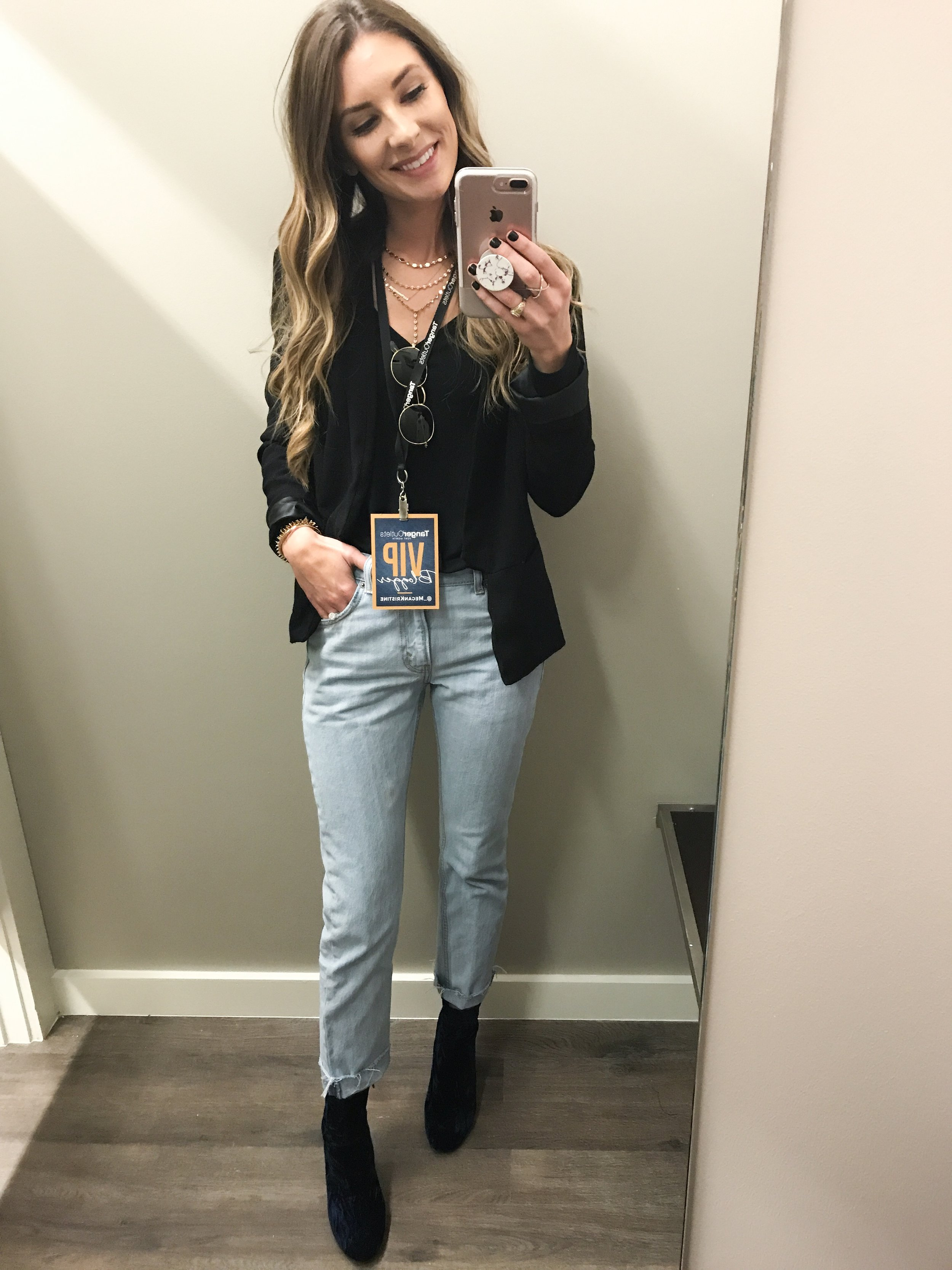 I'm sorry I only have a mirror selfie. I was unfortunately late to the event due to traffic, and I missed all the pictures and champagne.. (tear).