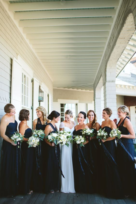How to Choose Your Wedding Party   Photo by Angela Cox   Bespoken www.bespokenweddings.com