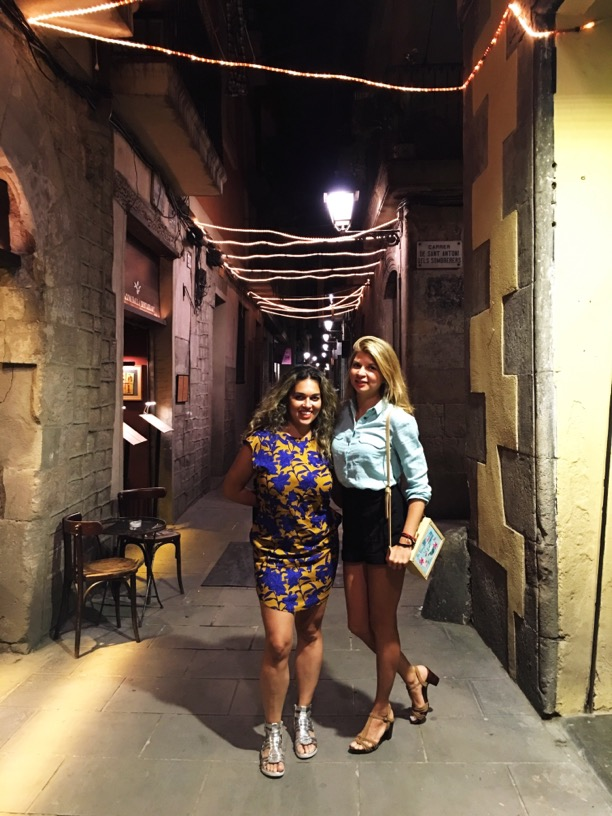 El born neighborhood - Taryn & Genia
